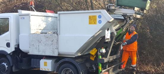 A gennaio pulizia margini stradali con raccolta rifiuti